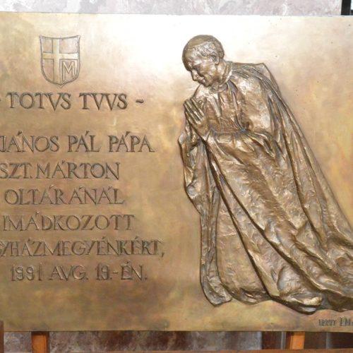 Szent II. János Pál pápa emléke